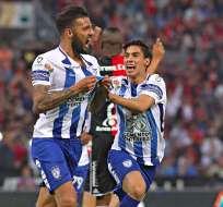 El futbolista uruguayo (izquierda) tiene 29 años y llega proveniente del Pachuca de México.