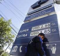 QUITO, Ecuador.- Ciudadanía expresa malestar con el alza de $1,48 a $1,85 de gasolinas EXTRA y ECOPAÍS. Foto: API.