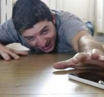 En Reino Unido, la gente consulta su celular cada 12 minutos.