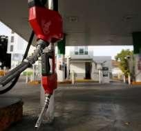 Decreto 632 señala que el precio del diésel para el público es de USD/galón 1,037.  Foto: AFP