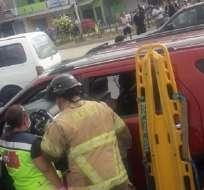 DAULE, Ecuador.- El conductor se encontraba esperando la luz verde del semáforo. Foto: Cortesía