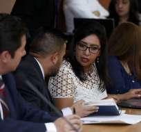 QUITO, Ecuador.- La exvicepresidenta no acudió a la audiencia, en la que la fiscal Ruth Palacios la acusa de concusión. Foto:API