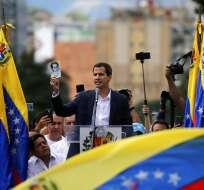 CARACAS, Venezuela.- El Gobierno y otros 15 países declararon su apoyo a presidente interino de Venezuela. Foto: AP.