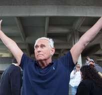 Stone había sido arrestado por cargos vinculados a la investigación de la trama rusa. Foto: AFP
