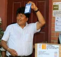 Bolivianos votan en inéditas y polémicas primarias presidenciales. Foto: AFP