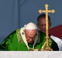 Papa cierra viaje a Panamá con misa y visita a portadores de VIH. Foto: AFP