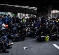 En total, 299 personas fueron evacuadas, informó la prefectura de París. Foto: AFP