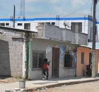 Las casas están mal edificadas y sin todos los servicios básicos. Foto: Captura