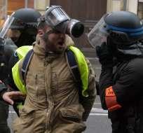 PARÍS, Francia.- La jornada estuvo marcada de nuevo por incidentes entre manifestantes y policías. Foto: AFP.