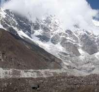 KATMANDÚ, Nepal.- Efecto podría darse si el planeta mantiene las emisiones de gas de efecto invernadero. Foto: AFP.