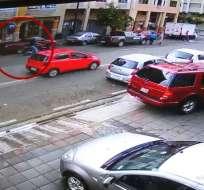 GUAYAQUIL, Ecuador.- El asalto ocurrió en las calles Lorenzo de Garaycoa y San Martín, en el centro sur de la urbe.