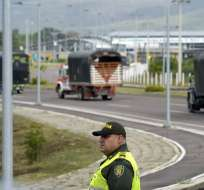 VENEZUELA.- Cerca de 10 vehículos cargados de ayudas entraron al centro de acopio de Cúcuta. Foto: AFP