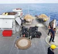 Trece ecuatorianos detenidos y 626 kilos de droga decomisados en alta mar.  Foto: Armada Ecuador