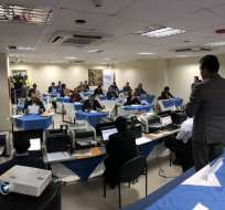 QUITO, Ecuador.- Los aspirantes a Fiscal General del Estado tenían que resolver una prueba de 20 preguntas. Foto: CPCCS-T