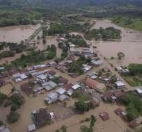 Desbordamiento de ríos en parroquias La Unión y Pueblo Nuevo dejan más de mil afectados. Foto: Gestión de Riesgos.