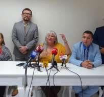 GUAYAQUIL, Ecuador.- Luz María Pico, junto con otros juristas, pidió respetar la decisión del Tribunal. Foto: API