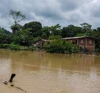 SANTA ANA, Ecuador.- Además del aislamiento de las viviendas, las aguas se han contaminado. Foto: Prefectura de Manabí