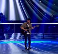 El joven de 19 años participa en el reality 'La Voz' y pasó a las finales del show. Foto: Captura Video.