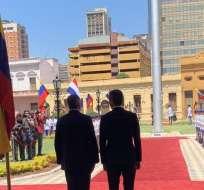 PARAGUAY.- Guaidó se trasladó al Palacio de López, sede del gobierno de Paraguay, donde fue recibido con honores. Foto: Twitter