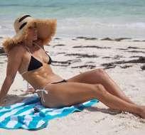 La artista de 49 años lució un bikini de 2 piezas que dejó a sus seguidores sin aliento. Foto: Instagram.