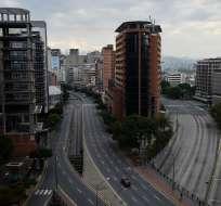 CARACAS, Venezuela.- Guaidó y Maduro movilizan a sus seguidores en medio del peor apagón que sufre este país. Foto: AFP.