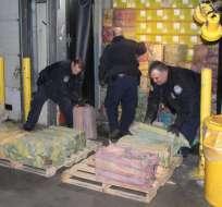 La droga estaba escondida en 60 paquetes dentro de un contenedor en el puerto.