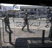 """Ministro de Maduro precisó que hay """"pequeñas fallas"""" donde hubo incidentes con subestaciones. Foto: AFP"""