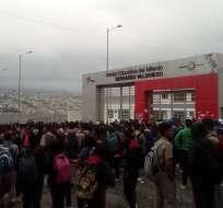 LOJA, Ecuador.- Los estudiantes aseveran que desean cerrar la jornada nocturna.