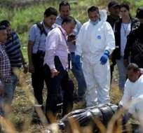 En un canal de aguas del estado de Jalisco siguen buscando más cuerpos. Foto: dominiomedios.com