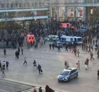 La policía tuvo que intervenir en la pelea masiva organizada en pleno centro de la ciudad alemana de Berlín.