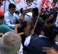 """Simpatizantes de """"Alianza Todos por Ibarra"""" cercaron Junta Provincial de Imbabura. Foto: Captura Video."""
