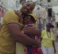 En la grabación se observa a Smith llegar a un parque, en La Habana. Foto: Captura