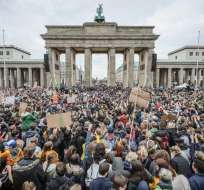 BERLÍN, Alemania.- Al menos 20.000 personas participaron de esta manifestación. Foto: AFP.