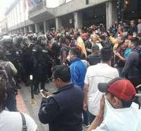 QUITO, Ecuador.- La manifestación registró enfrentamientos con miembros de la Policía Nacional.