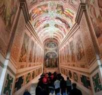 El Vaticano exhibe la escalera de mármol que subió Jesús. Foto: AFP