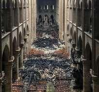PARÍS, Francia.- Imágenes de la catedral de Notre Dame por dentro tras el devastador incendio. Foto: AFP