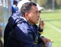 El técnico ecuatoriano habló sobre la clasificación y las sospechas de la prensa peruana. Foto: Tomada de @FEFecuador