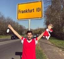 Dos aficionados viajaron en carro 28 horas para apoyar a su equipo. Foto: Tomada de @alvaroslb1994