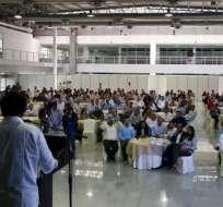 GUAYAQUIL, Ecuador.- El líder del Partido Social Cristiano conversó con los ediles sobre diversos proyectos. Foto: Cortesía.