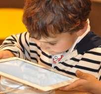 La OMS recomienda a los niños menos pantallas y más juegos. Foto: Pixabay