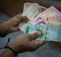 Al cambio, el sueldo mensual en Venezuela no llega a los 8 dólares.