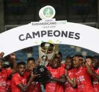 Jugadores de Ecuador sub 20, celebrando el título.