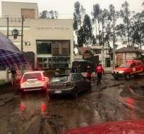 QUITO, Ecuador.- En el sector de Rumipamba, hubo acumulación de agua y lodo. Foto: Cuerpo de Bomberos de Quito