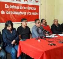 QUITO, Ecuador.- El gremio de trabajadores rechaza el decreto Ejecutivo sobre la media jornada laboral. Foto: API