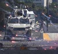 Medios locales de ese país reportan, al menos, 3 heridos de bala. Foto: AFP
