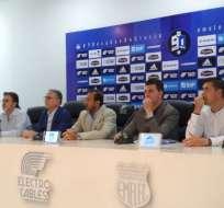 El entrenador español fue presentado oficialmente como nuevo DT de Emelec. Foto: Kevin Verdezoto