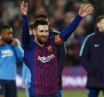 """El argentino recibió la Cruz de San Jorge por """"su fabulosa trayectoria deportiva"""". Foto: PAU BARRENA / AFP"""