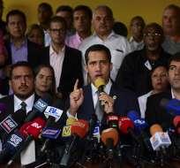 Oposición venezolana entregará proclama en unidades militares. Foto: AFP