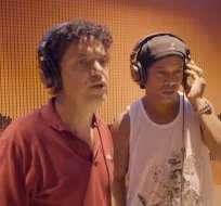 Ronaldinho cantando en contra de la corrupción.