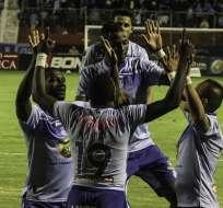 Jugadores de Macará celebrando uno de los goles. Foto: API.